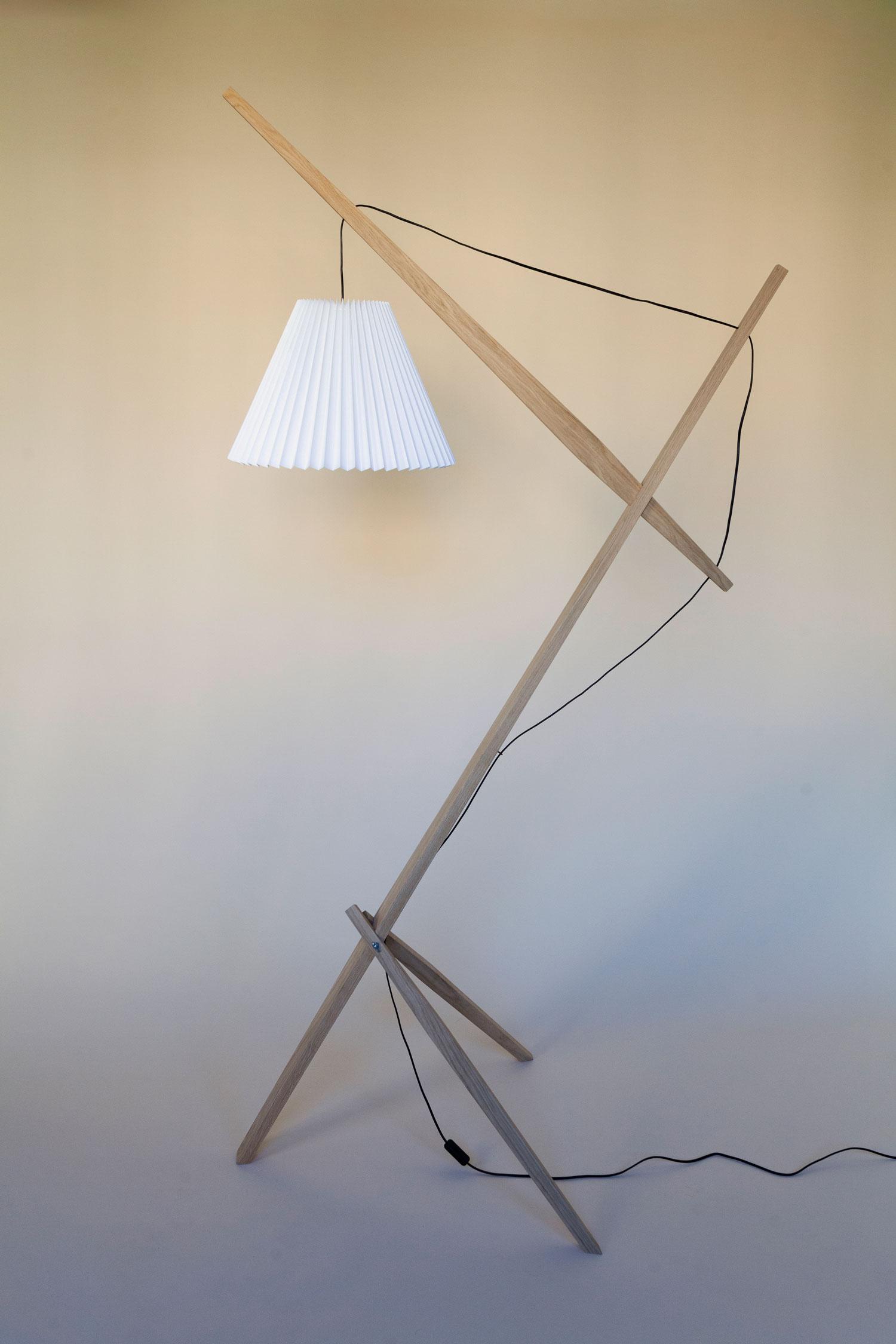 Gulvlampe kaldet Rosa lamp består af en trækonstruktion i dansk FSC-mærket eg fra et savværk i Enderslev, mens lampeskærmen i hvid – Gert lampshade – er produceret på en dansk familieejet lampefabrik. Lampen har et højt og lidt ranglet design, der måske kan skabe associationer til en giraf eller en gammel dame. Designet er let og elegant og med et fokus på ledningen, som i designs oftest gemmes væk. Rosa lanceres med 4 forskellige skærmfarver i smukke pastelagtige farver nemlig blå, mint, salmon og hvid.